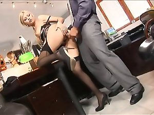 Blondie secretary in carnal underwear I10