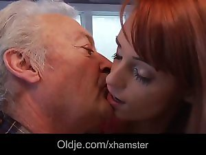Chancy old man Gustavo bangs raunchy young lady Erica Fontes