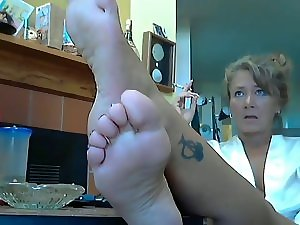 Worship her soles 5-ohlawddatass
