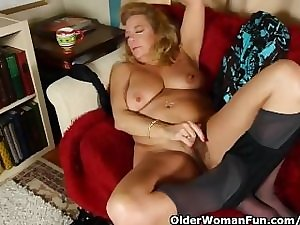 Office granny in hose gives her mature bawdy cleft a treat