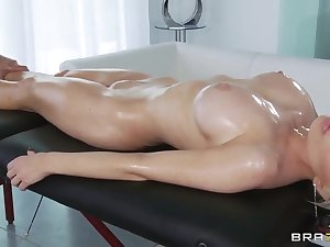 Keiran Lee's oiled massage makes Alexis Ford's slit juicy and soul chancy