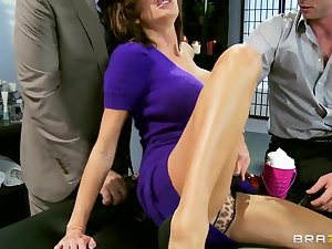 Veronica Avluv pioneer hour DP