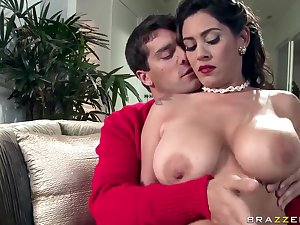 Ramon is lucky to acquire titsjob from welcomed Lalin girl Raylene