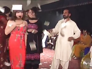 Pakistani ladyman soiree with dancing