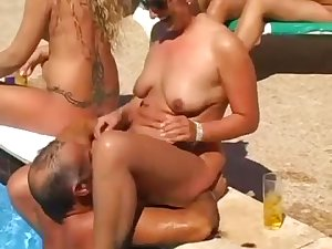 Young ladies in plage hardcore sex
