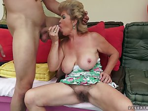 Creampie in shaggy granny bawdy cleft