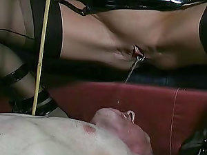 This guy submits to slutty domme Carmen