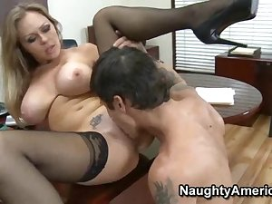 Office milf likes important penis