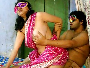 Creesh fere is fucking his fat Indian playgirl Savita