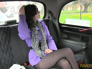 Jessica is fucking with a taxi operator