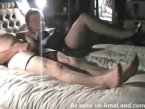 Fuckable older chick on her ago