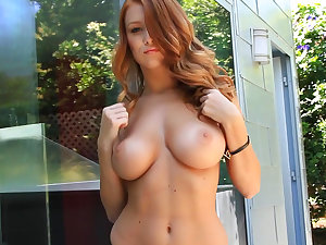 Sorrel playgirl Leanna Decker shows her genuine marangos