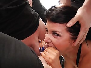 Blowbang bukkake sites with Romi Rain