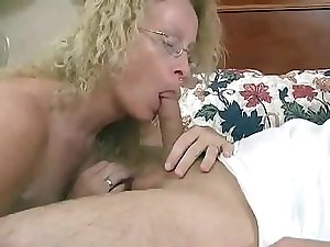 Filling Cathy's Vulva With Cum