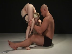 Contortionist Zlata Twisted Into Extraordinary Knots