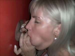 Dilettante light-haired mummy fondles alien at gloryhole 1