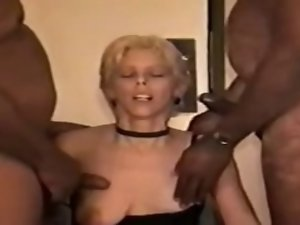 hubby cuckold chow the cum off her snatch