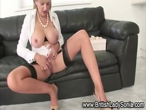 Masturbatrix fingering bawdy cleft