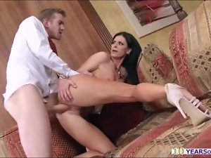 India Summer groans and squirts in admiration whilst getting hammered by a bigdick