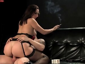 Smokin' Fetish - Awesome darksome haired smokin' and banging