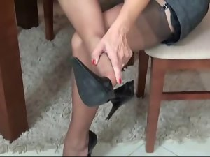 Emotional LADY IN BROWN Nylons
