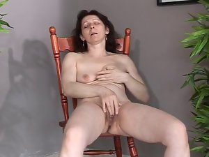 Gracious aged with puny saggy hooters makes herself cum and squirt