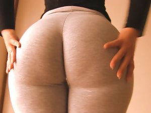 Shocking Wide Nasty arse Teen! Cameltoe Too! Oh Mama!!